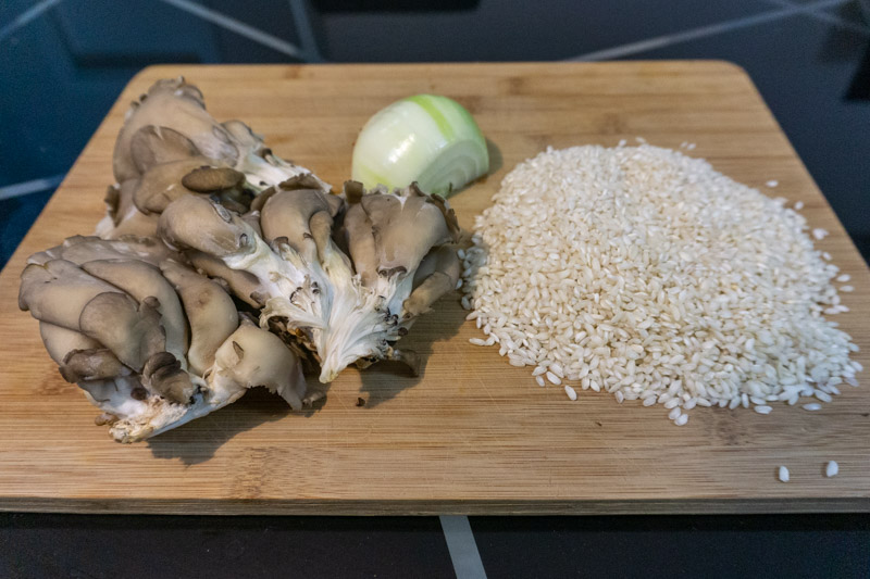 Some of the key ingredients of this mushroom risotto recipe