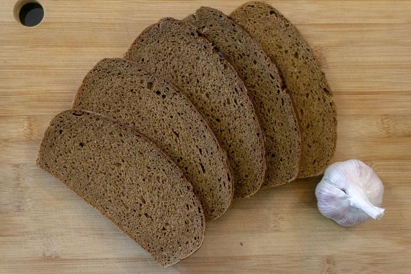 Black Bread & Garlic - the key ingredients of Kepta Duona